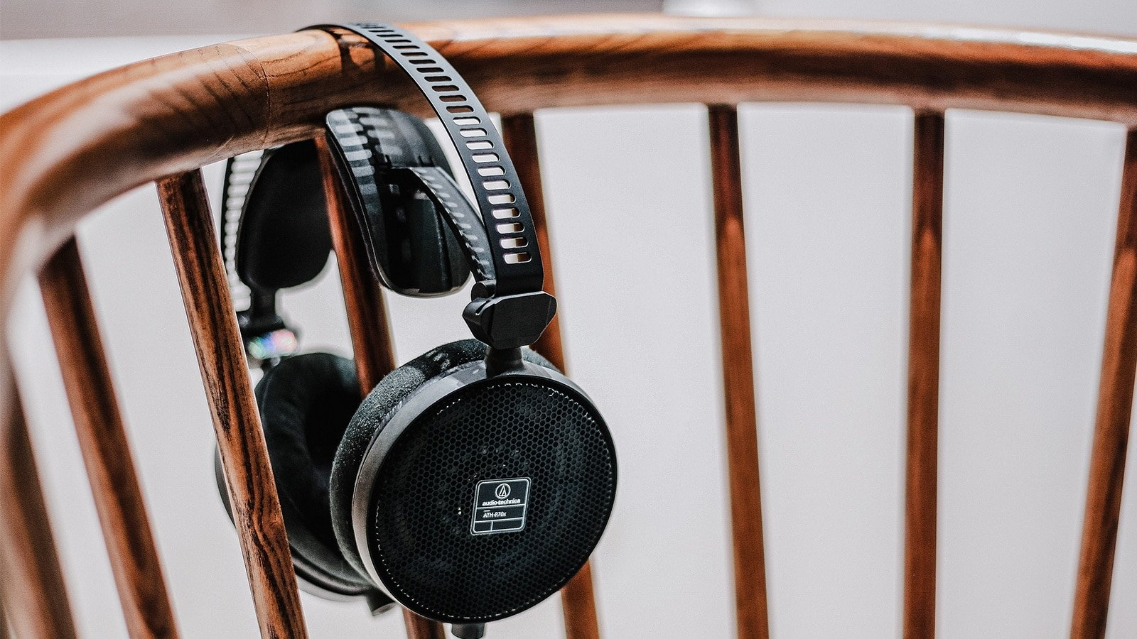 Top 10 Best Headphones That Bring High-Resolution Audio Performance!
