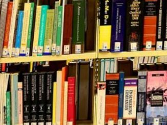 Senators Aim to Help Students, Might Even Reduce Textbook Piracy Too